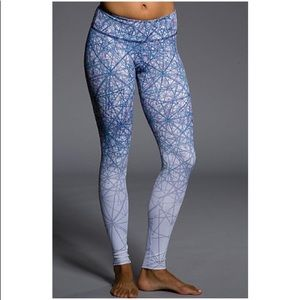Onzie | LUNA GRAPHIC YOGA WORK OUT LEGGINGS SZ S/M